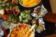 野菜スティックと熱々チーズディップ