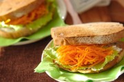 キャロットラペのサンドイッチ