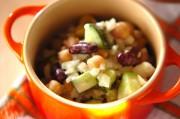 お豆とキュウリのサラダ