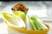 ナッツみそとスティック野菜