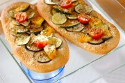 夏野菜の薄焼きパン