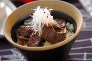エスニック風カルビ丼