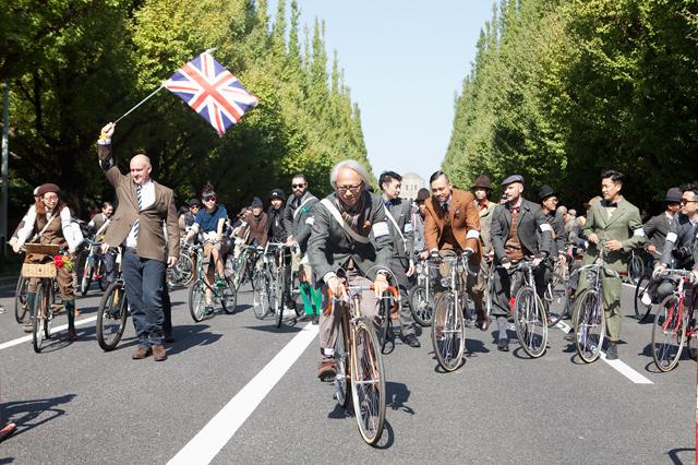 自転車の 東京 自転車 イベント 2013 : 昨年2013年の模様。中央にいる ...