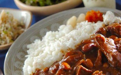 今日の献立は「牛肉と豆のカレー」