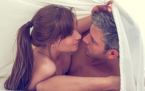 いつものセックスが10倍楽しくなる!? マンネリ対策に効果絶大な○○とは
