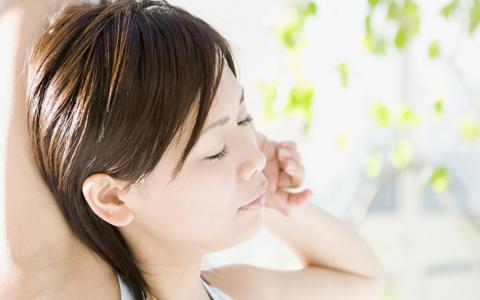 ■美から遠ざけてしまう?! 増えている女性の生理不順を整える方法 スト... 女性ホルモンのバラ
