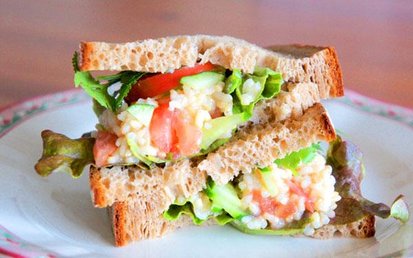 玄米をサラダ&サンドイッチレシピ