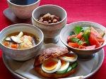 塩豚とひよこ豆のソテーとクロワッサンサンドほかプレート