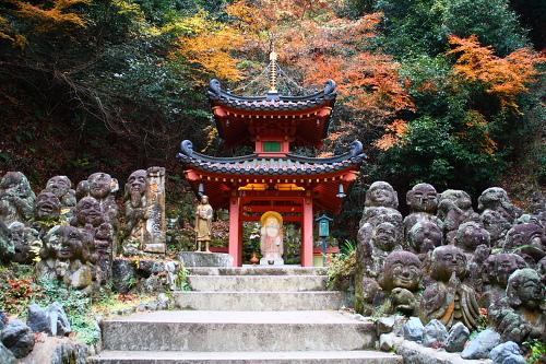 愛宕念仏寺昔から気になっていたのですが、初めて来ました。石仏が一体一体違... 京都紅葉物語|