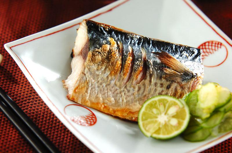 【和食の定番】鯖の塩焼き作ろう。アレンジ次第でで料理の幅が広がる