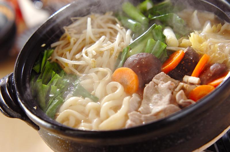 《味噌煮込みうどん》レシピご紹介~名古屋の味をご家庭で~