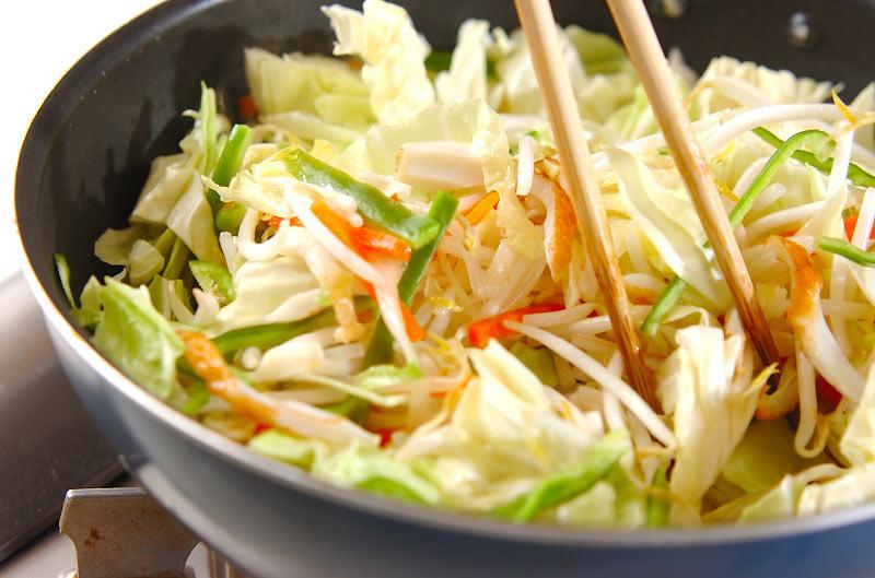 NAVER まとめ野菜炒めは弱火…目からウロコの料理の新常識