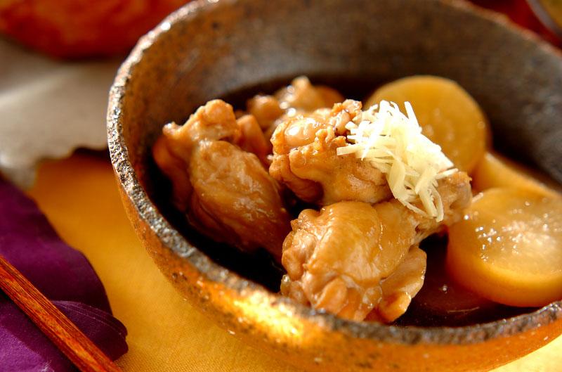 大根と鶏手羽元の煮物【E・レシピ】料理のプロが作る簡単 ...