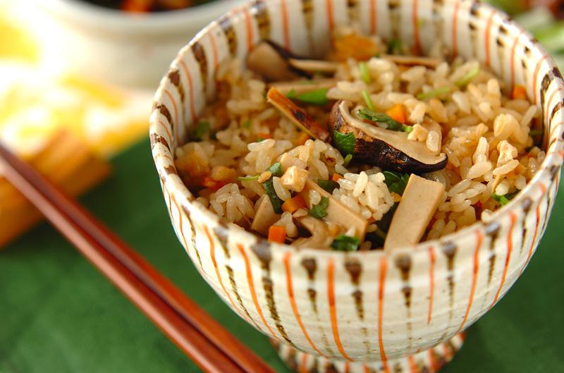 「松茸ご飯」のレシピ&オススメのおかず。和食献立23選