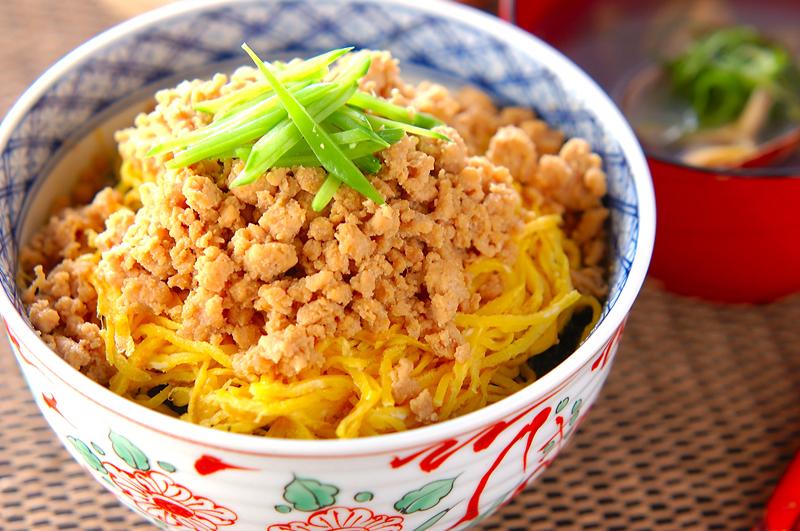 そぼろご飯のレシピ18選♪【定番】から【変わり種】まで盛りだくさん♡