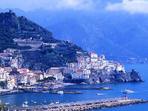 南イタリアへ逃亡せよ。