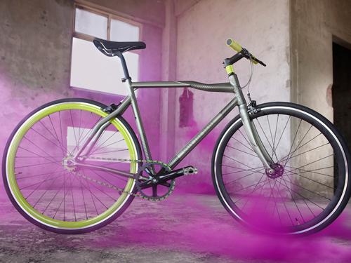 やっぱり気になるのは、自転車。
