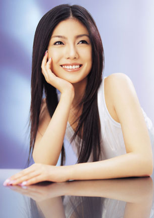 http://image.excite.co.jp/jp/music/closeup/0406/shimatani_photo.jpg