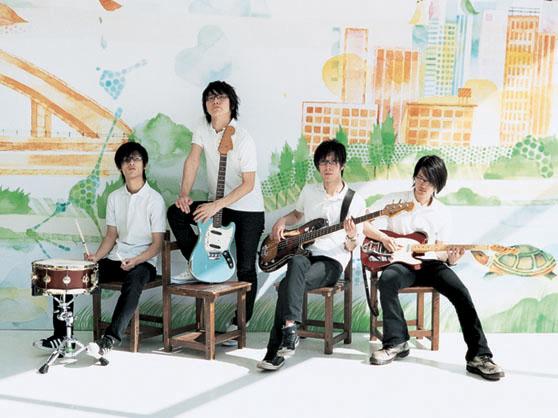 http://image.excite.co.jp/jp/music/closeup/0805/monobright_photo.jpg