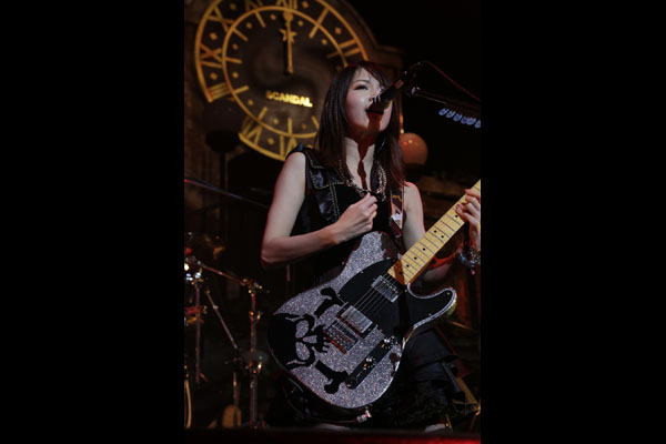SCANDAL HALL TOUR 2012「Queens are trumps-Kirifuda wa Queen-」 - Page 3 3