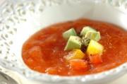 彩り野菜の冷たいトマトスープ