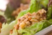 鶏肉納豆のレタス包み