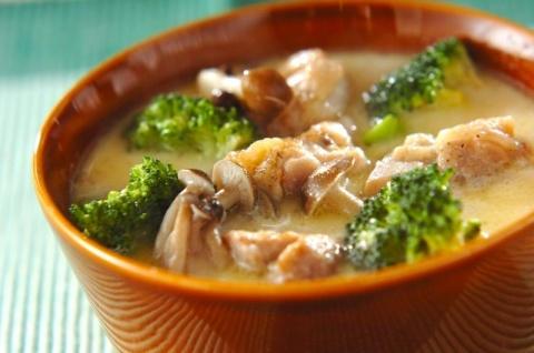 鶏肉のミルクスープ