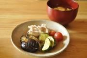 夏野菜と豚肉の出汁浸しと、ベジブロスみそ汁