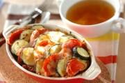 夏野菜グラタンとコンソメスープ