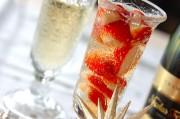 イチゴ入りシャンパン