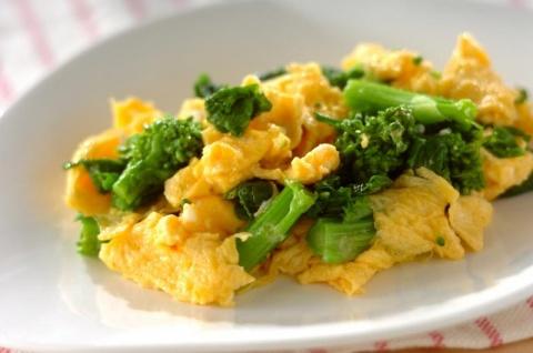菜の花と卵の炒め物