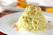 アボカドとチーズのパスタ