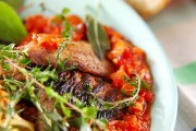 サンマのハーブ焼き・トマトソース