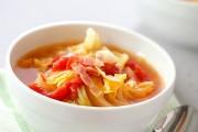 たっぷりキャベツのトマトスープ