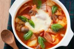 トマト味噌のマルゲリータ鍋
