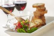 赤ワインに合うミニトマトのブルスケッタ