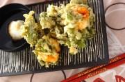 菊菜とエビのかき揚げ