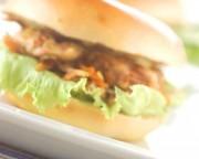 きんぴらと鶏肉のベーグル