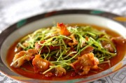 豚バラ肉と豆苗の炒め物