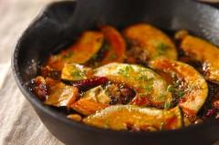 カボチャと豆のアヒージョ