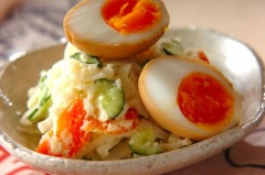 煮卵のせポテトサラダ