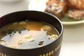 豆腐と白ネギのみそ汁