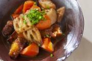 根菜と豚肉の煮物
