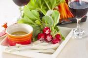 赤ワインに合う生野菜とバーニャカウダ