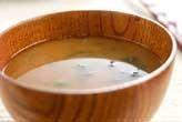 納豆と大葉のみそ汁