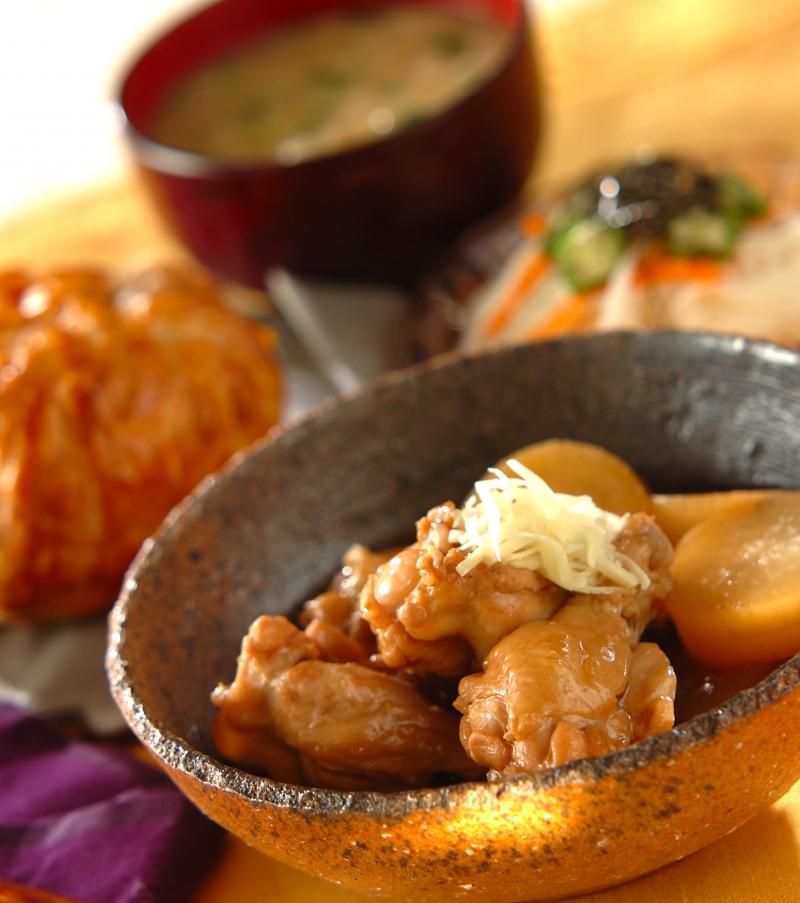 しみしみ大根と鶏手羽元の煮物の献立