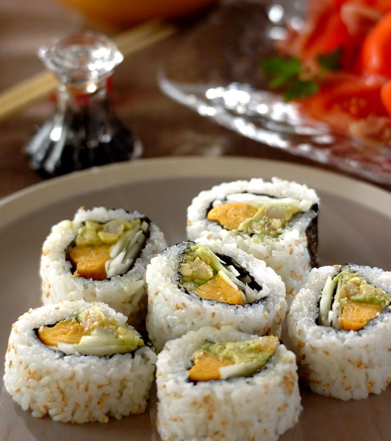 アボカドとエビの裏巻き寿司の献立