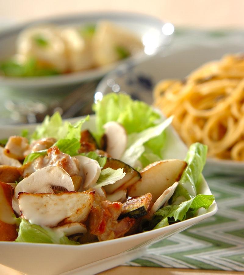 鶏と野菜のソテーサラダの献立