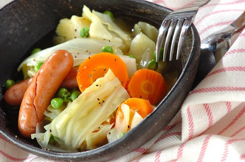 ソーセージと春キャベツのスープ煮の作り方の手順