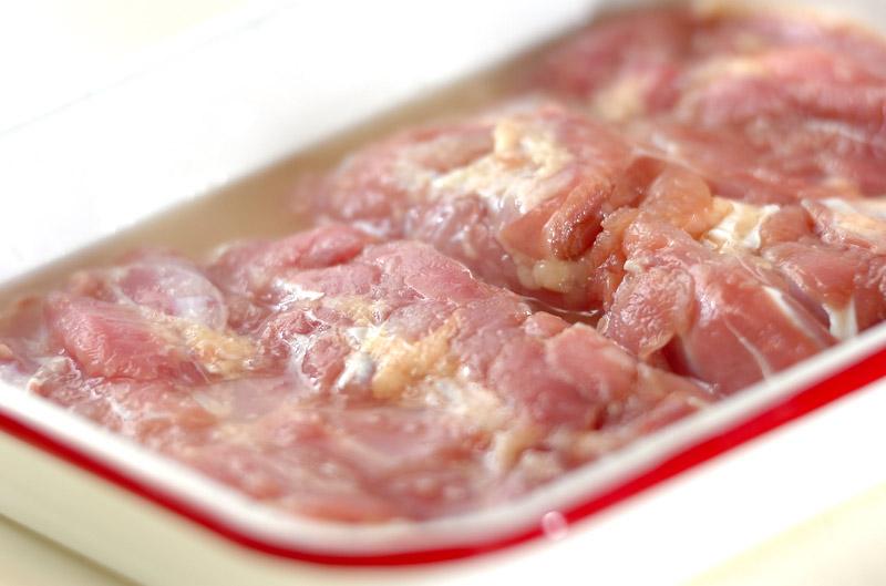 鶏とアボカドのユズコショウ丼の作り方の手順2